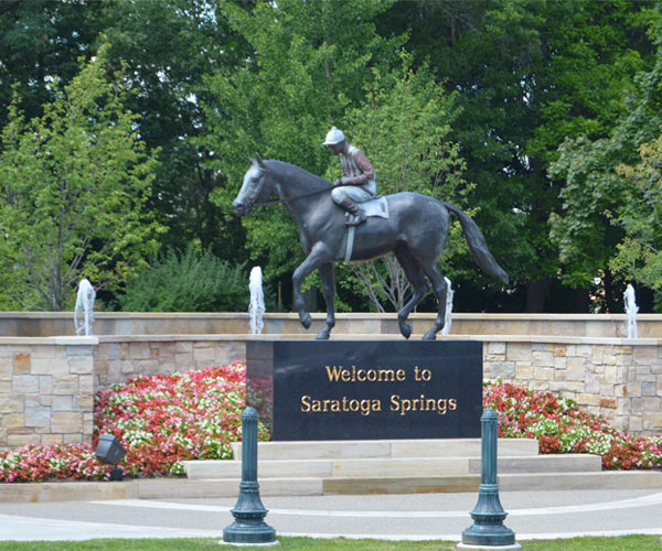 welcome to saratoga springs statue