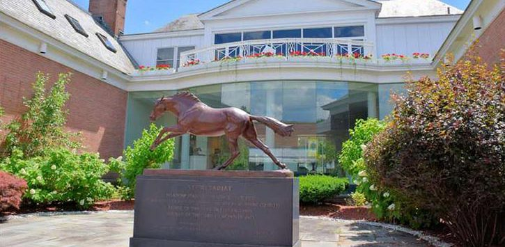 horse statue at racing museum
