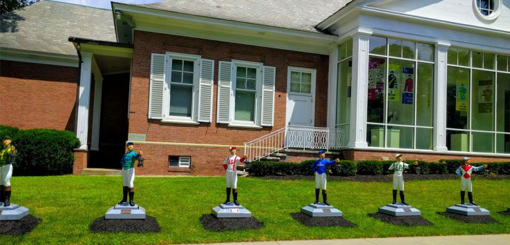jockeys on lawn